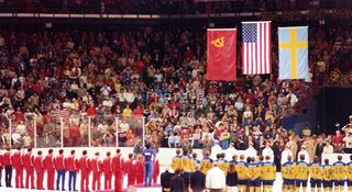 Olympics-1980-GoldMedalCeremony-flagsH2O