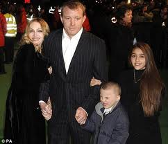 Madonna_and_family