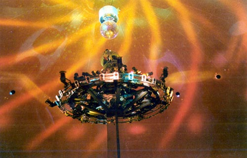 Saint-ny-star-projector-dome-stevecanning-04