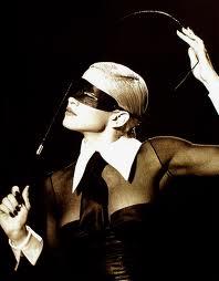 Madonna_blindfold_erotica