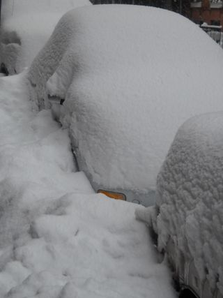 Snowcovered_cars