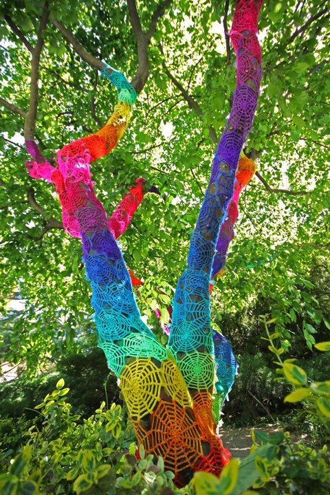 Street_art_june_5_yarn_crochet