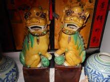 Foo dog vase
