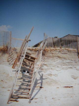 Stairs_ to_beach_ fallingdown