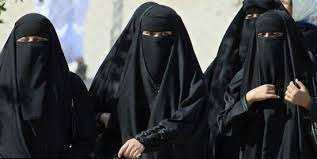 Women.in.burkas
