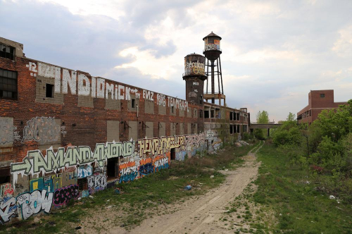Detroit-cleans-up-and-graffiti-landmarks-vanish-body-image-1475804132