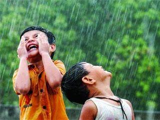 Kids.in.rain