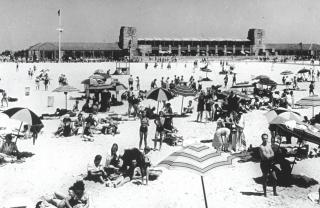 Jones beach opens