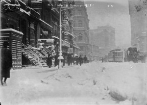 Snowstorm 1908 by-9-E-14th-St-Jan-24-1908-300x214