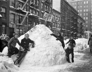 Nyc snow fort 1940s