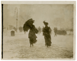 1910s snowstorm in newyrok_XXHistoricSnow-AST-8-superJumbo