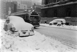 Nyc-blizzard-of-1956-albert eisenstaedt