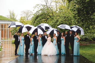 Rainy wedding at Brooklyn-Botanic Garden