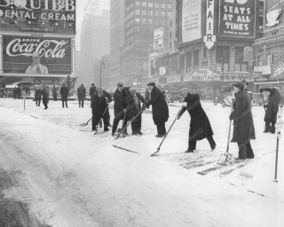 Snow in new york 1933