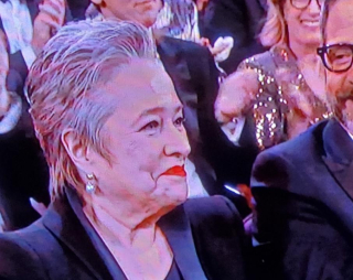 Kathy bates at 2020 oscars
