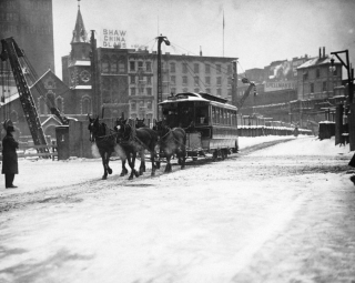 1908-New-York-City-horse-streetcar-in-snow-900x718