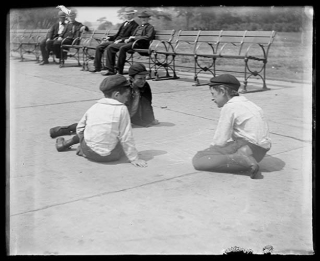 Boys-playing-on-a-sidewalk-NYC-1893-NYHistoricalSociety
