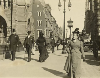Pedestrians on FifthAve-48thSt_NYPublicLibraryCollection